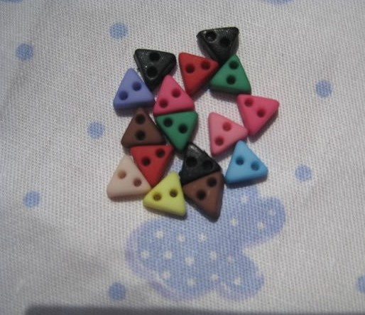 mini triangle buttons for sewing craft